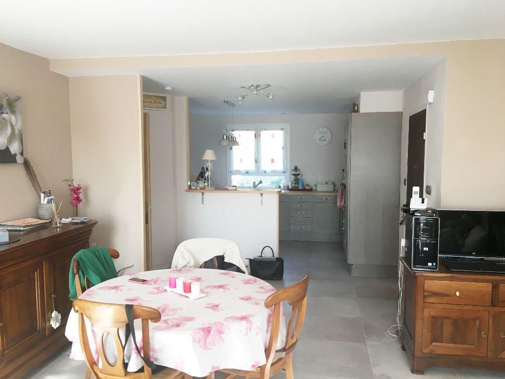 Appartement à louer 4 81.92m2 à Manosque vignette-4