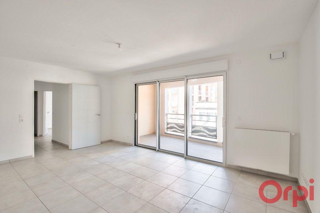 Appartement à vendre 3 65.25m2 à Manosque vignette-2