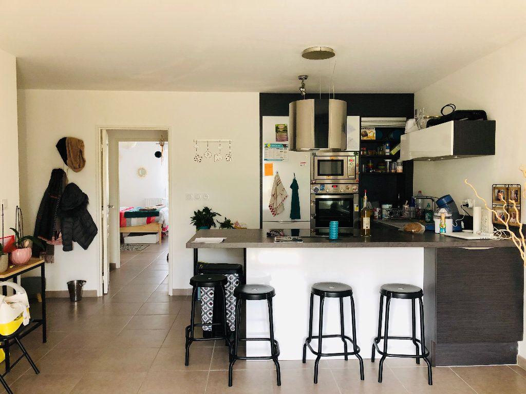 Appartement à louer 3 62.7m2 à Manosque vignette-3