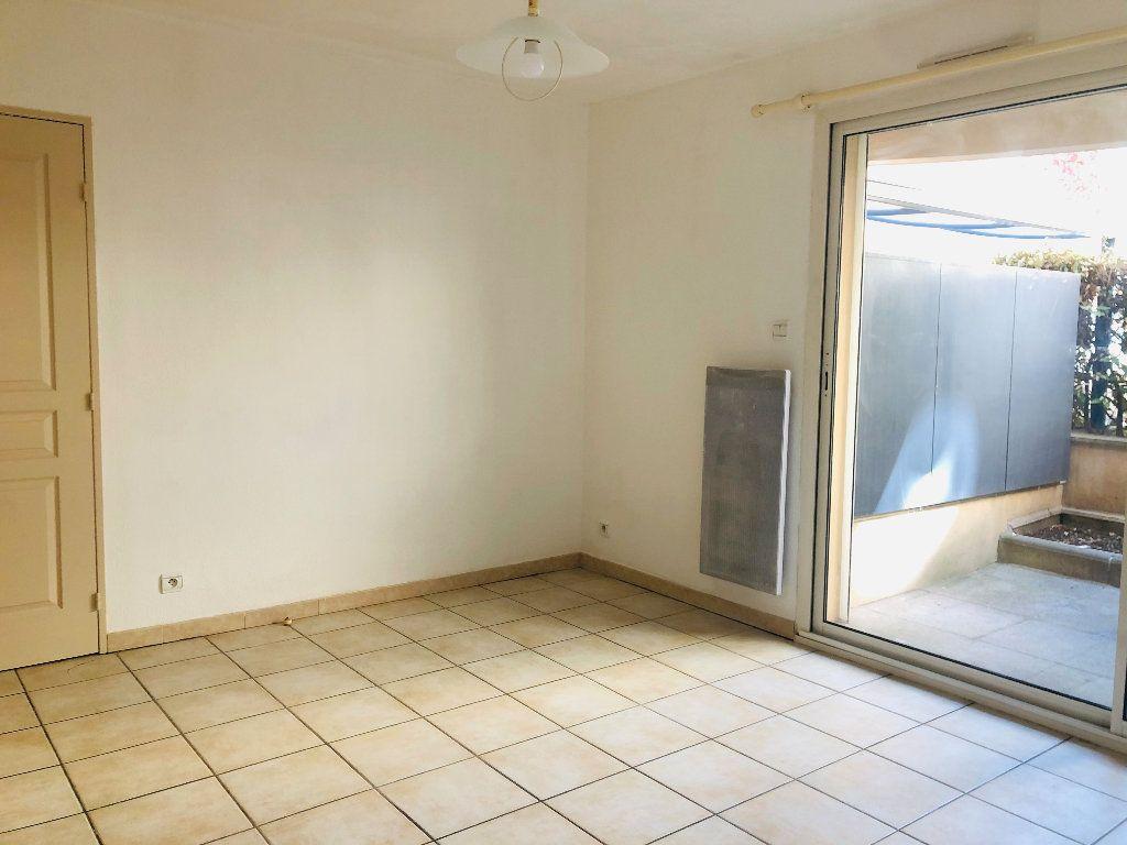 Appartement à louer 1 30.4m2 à Manosque vignette-3