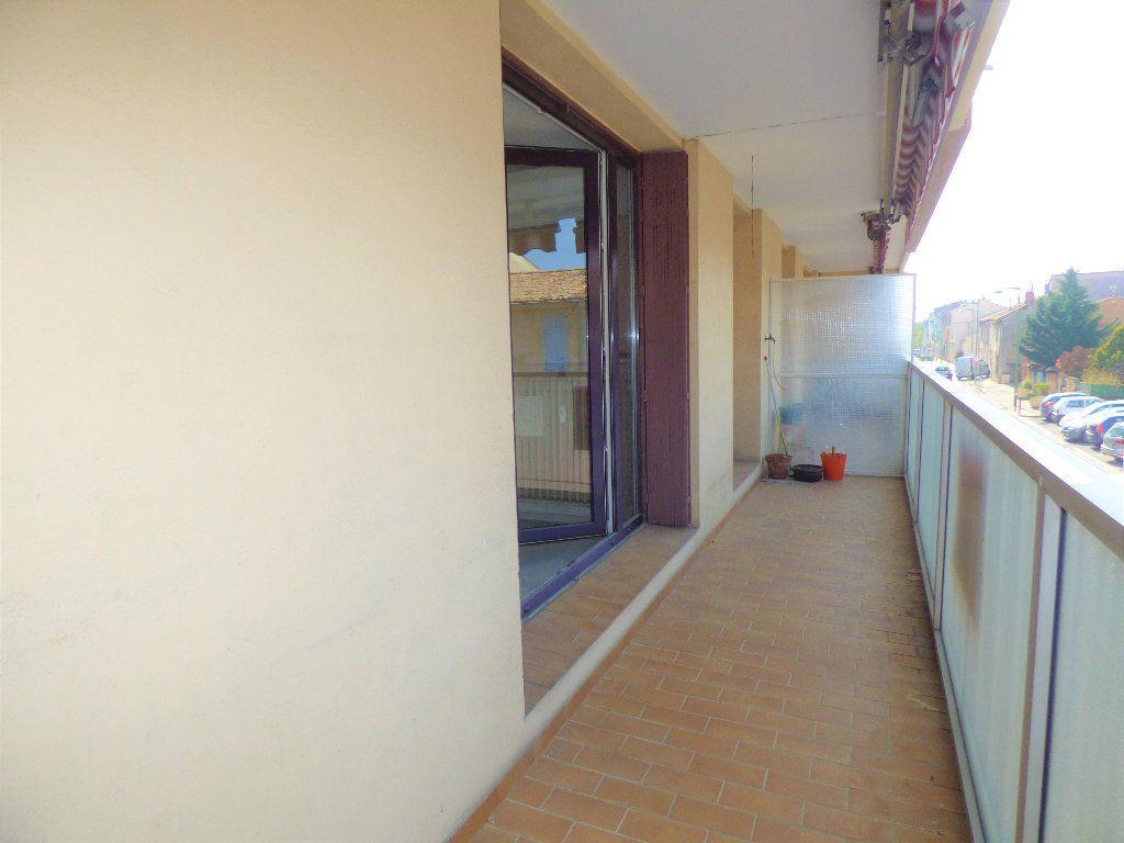 Appartement à vendre 3 71.23m2 à Manosque vignette-2