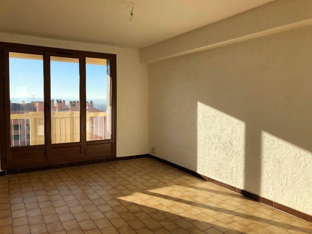 Appartement à louer 4 75.36m2 à Manosque vignette-1