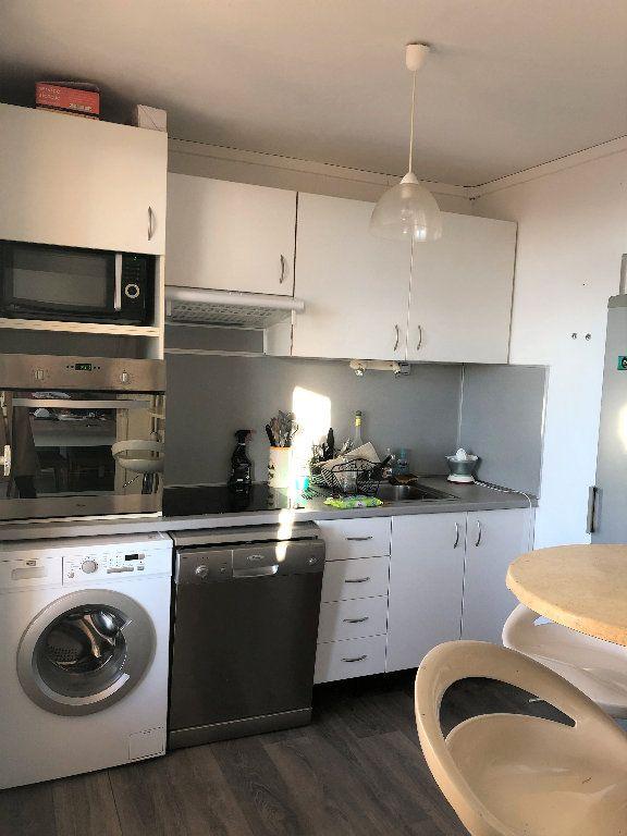 Appartement à louer 3 55.88m2 à Manosque vignette-1