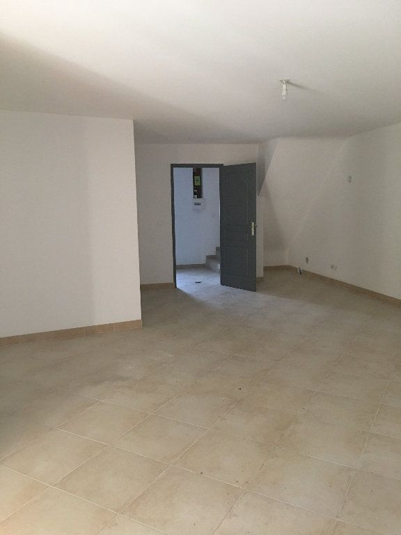 Maison à louer 4 136.68m2 à Manosque vignette-2