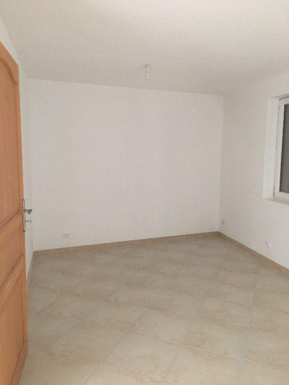 Maison à louer 4 136.68m2 à Manosque vignette-5