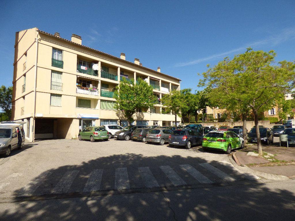 Appartement à vendre 4 73.35m2 à Manosque vignette-8
