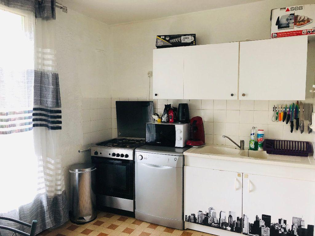 Appartement à louer 3 56.76m2 à Manosque vignette-2
