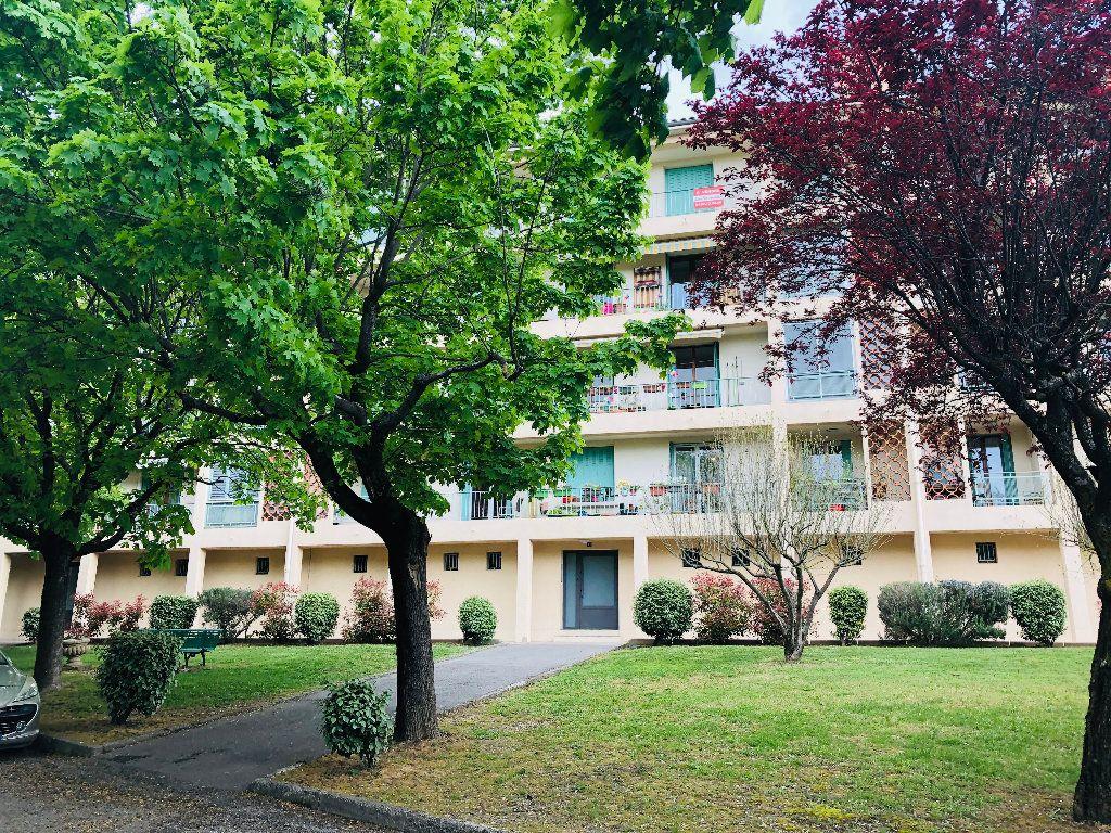 Appartement à louer 3 56.76m2 à Manosque vignette-7