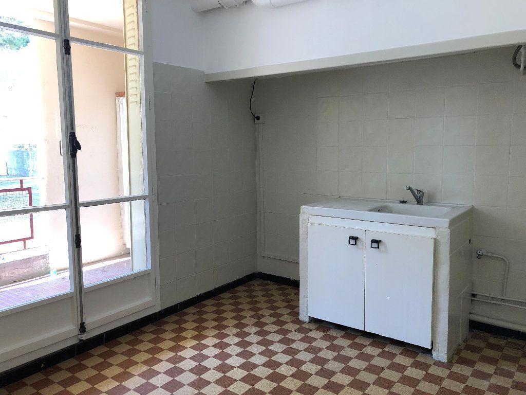 Appartement à louer 3 69.32m2 à Volx vignette-5