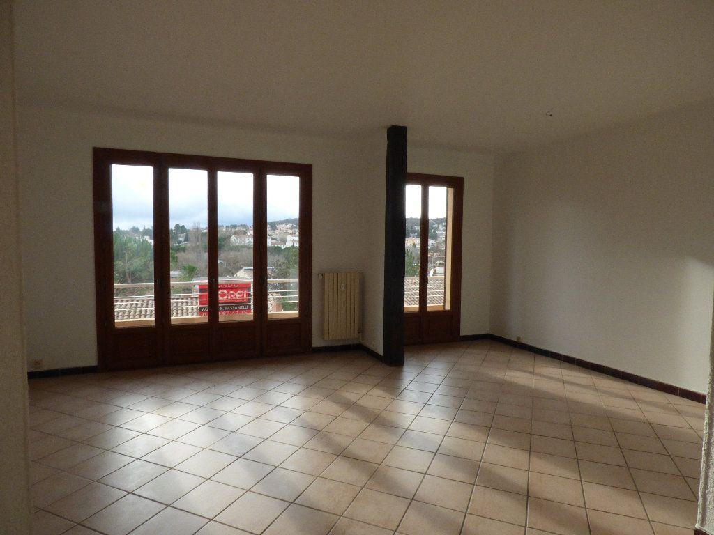Appartement à vendre 3 97.4m2 à Manosque vignette-1