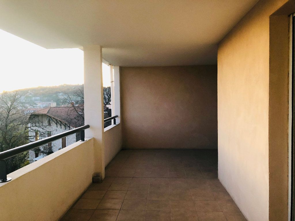 Appartement à louer 4 89.29m2 à Manosque vignette-3