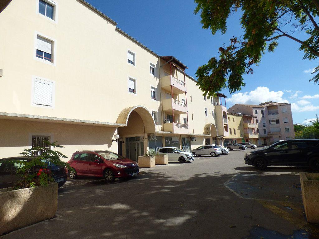 Appartement à vendre 3 67.24m2 à Manosque vignette-1