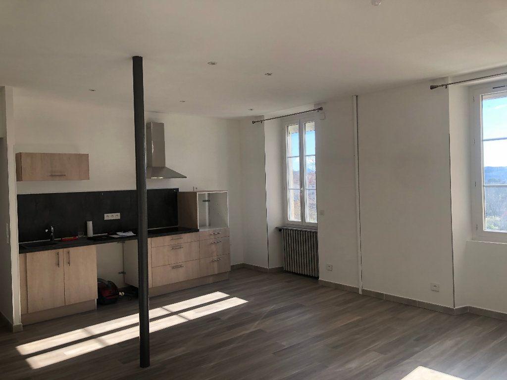 Appartement à louer 3 68.64m2 à Manosque vignette-1