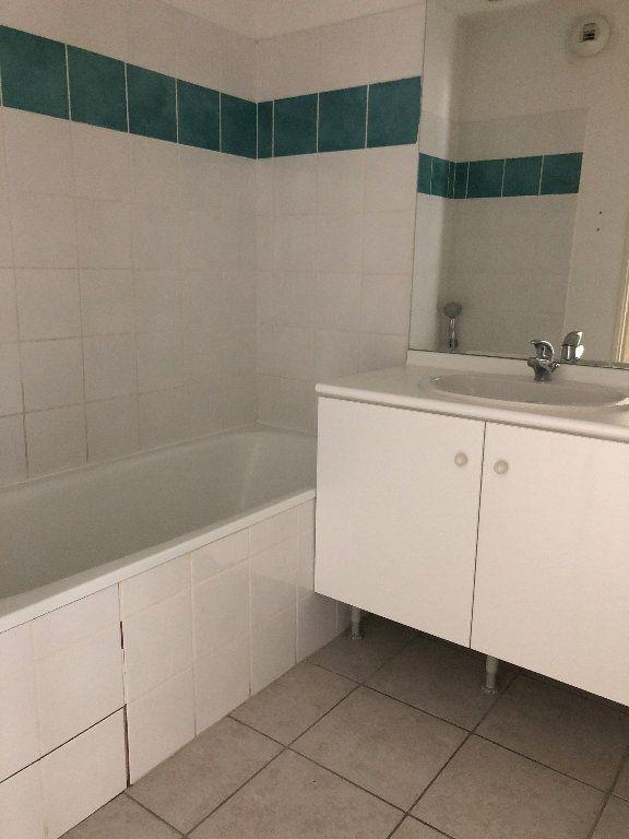 Appartement à louer 3 58.93m2 à Manosque vignette-6