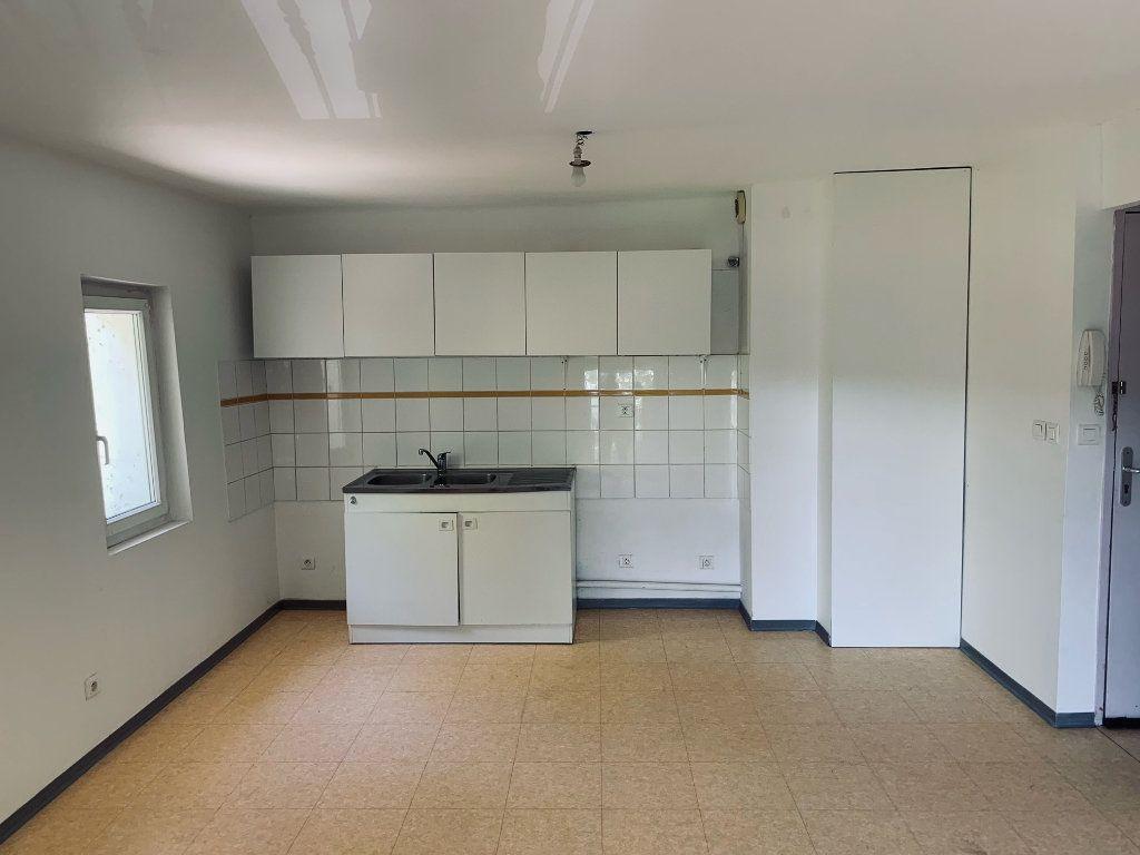 Appartement à louer 3 50.75m2 à Manosque vignette-3