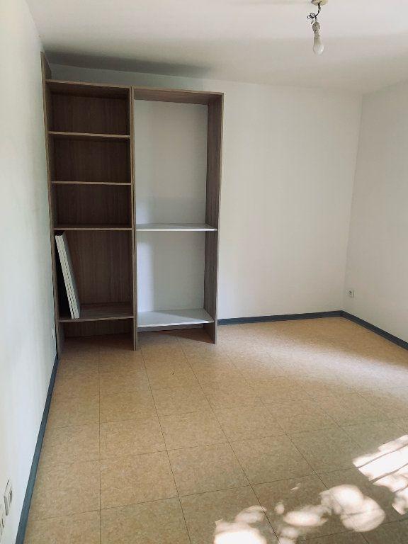 Appartement à louer 3 50.75m2 à Manosque vignette-4