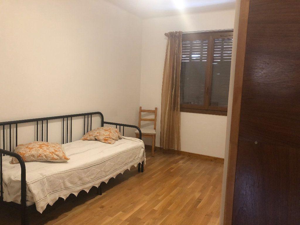Appartement à louer 3 88.15m2 à Manosque vignette-4