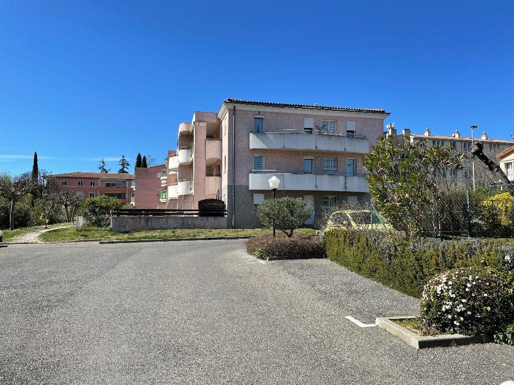 Appartement à louer 2 41.06m2 à Manosque vignette-2