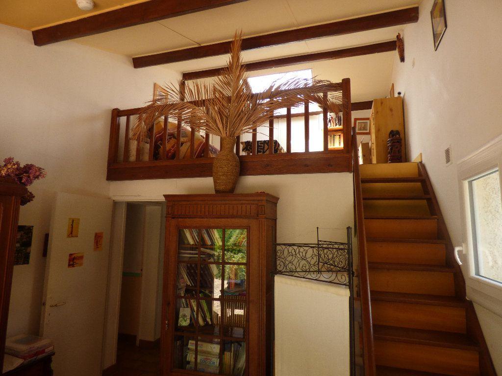 Maison à vendre 8 183m2 à Pierrevert vignette-11
