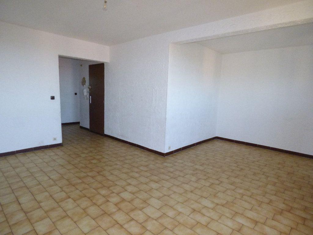 Appartement à vendre 4 75.36m2 à Manosque vignette-4