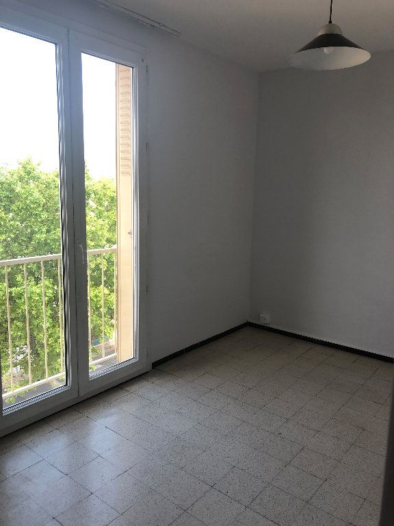 Appartement à louer 4 70.43m2 à Manosque vignette-2