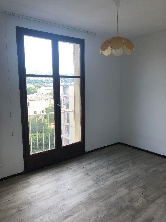 Appartement à louer 4 70.43m2 à Manosque vignette-6