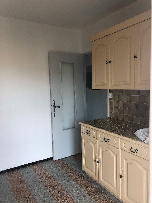 Appartement à louer 4 70.43m2 à Manosque vignette-11