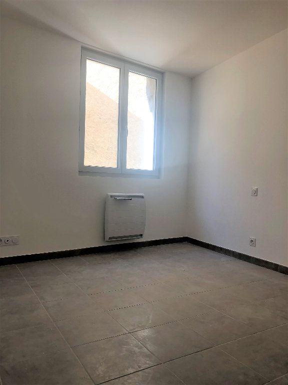 Appartement à louer 3 70.37m2 à Manosque vignette-3