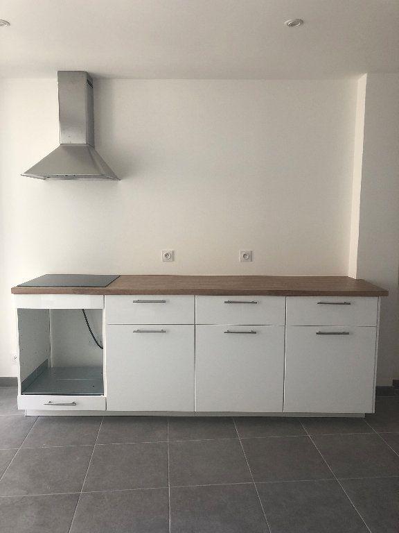 Appartement à louer 3 69.6m2 à Manosque vignette-1