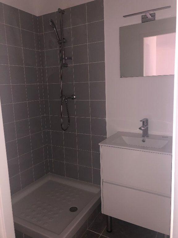 Appartement à louer 3 69.6m2 à Manosque vignette-6
