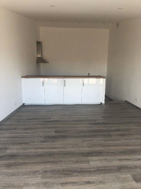 Appartement à louer 3 64.02m2 à Manosque vignette-1