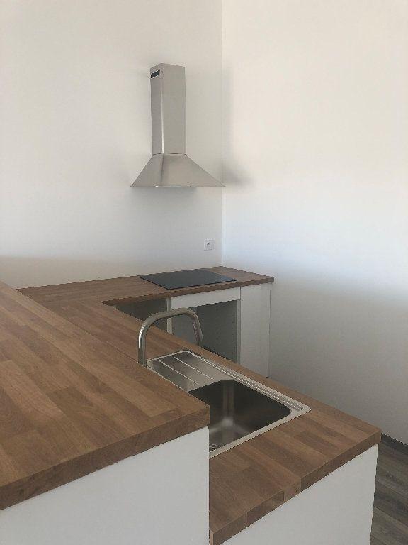 Appartement à louer 3 64.02m2 à Manosque vignette-2