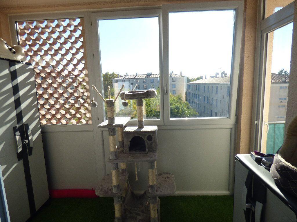 Appartement à vendre 3 56.52m2 à Manosque vignette-2