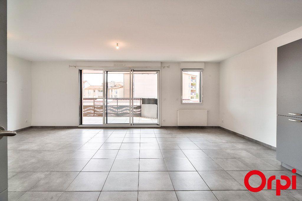 Appartement à vendre 3 68.49m2 à Manosque vignette-3