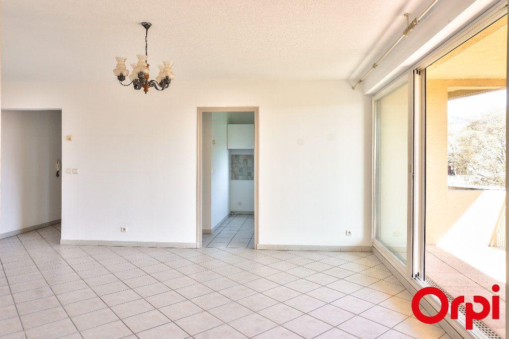 Appartement à vendre 3 76.7m2 à Manosque vignette-4