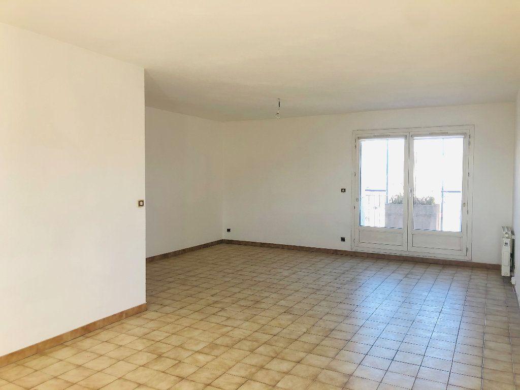Appartement à louer 4 101.14m2 à Manosque vignette-2