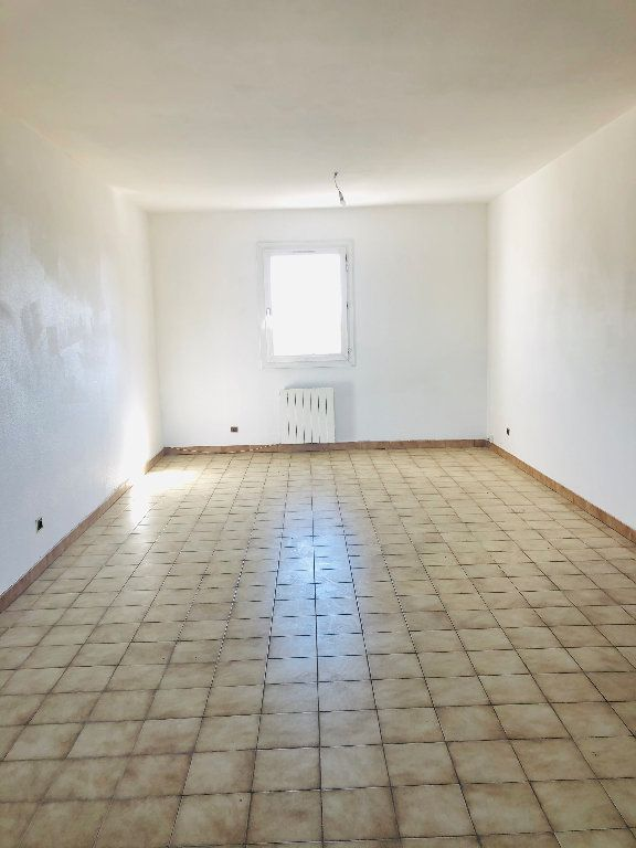 Appartement à louer 4 101.14m2 à Manosque vignette-3