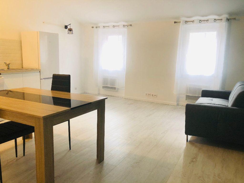 Appartement à louer 2 43.55m2 à Manosque vignette-2