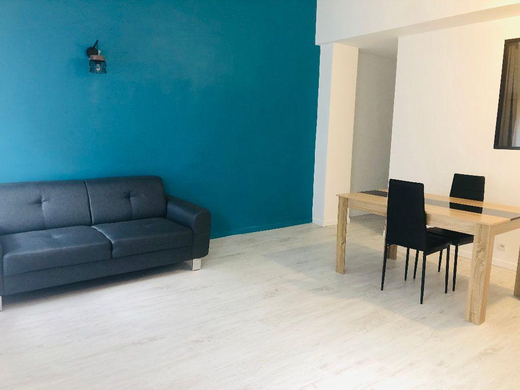 Appartement à louer 2 43.55m2 à Manosque vignette-3