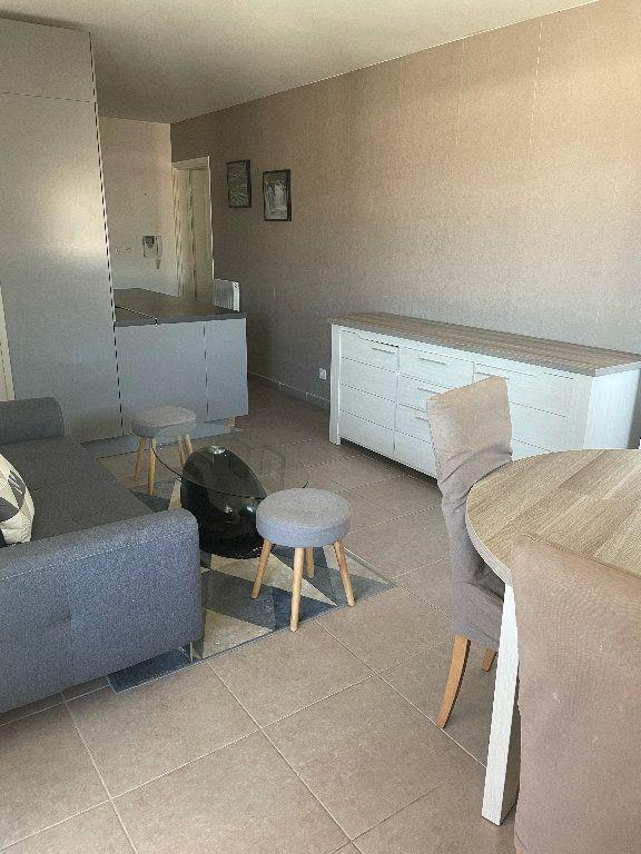 Appartement à louer 3 58.21m2 à Manosque vignette-2