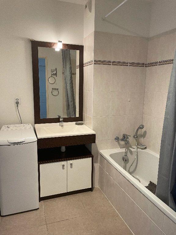 Appartement à louer 3 58.21m2 à Manosque vignette-9