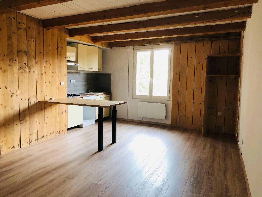 Appartement à louer 4 99.36m2 à Valensole vignette-1