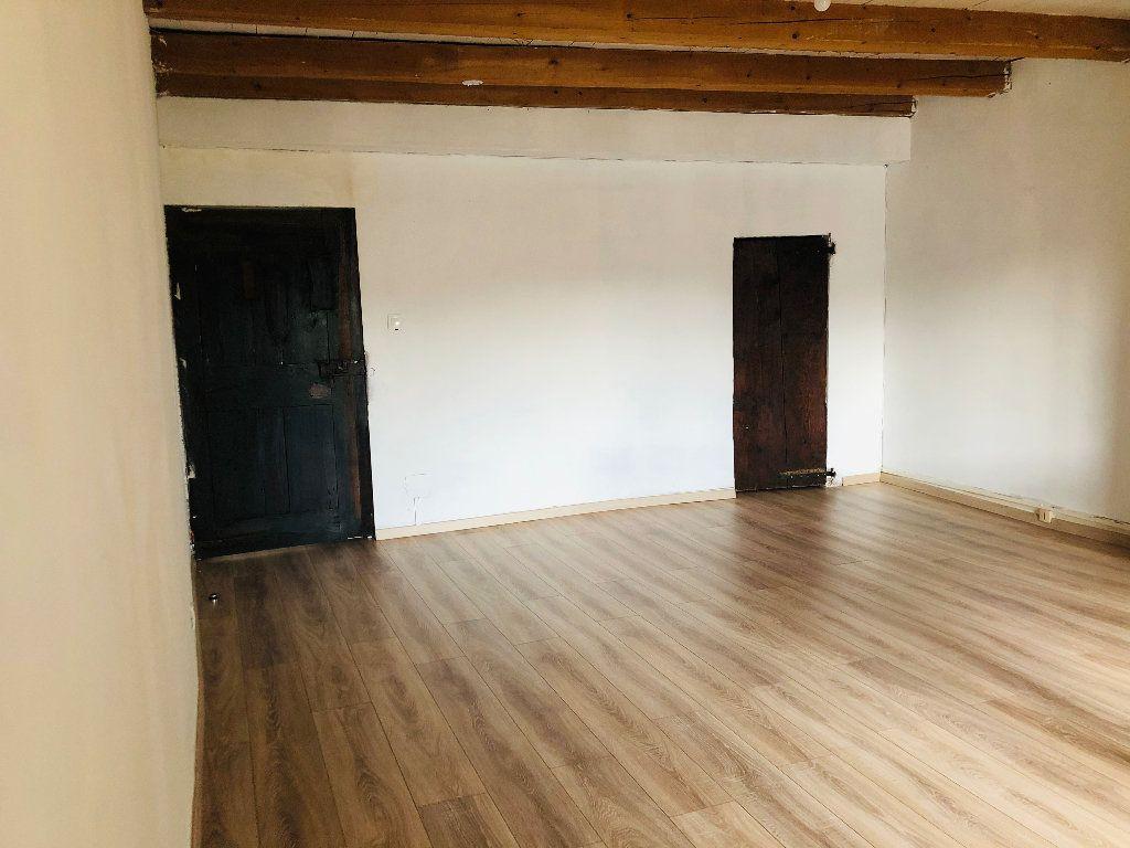 Appartement à louer 4 99.36m2 à Valensole vignette-2