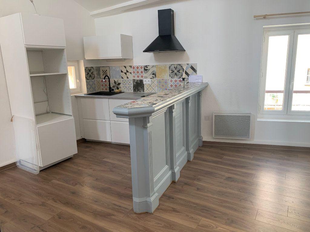 Appartement à louer 2 60m2 à Valensole vignette-1