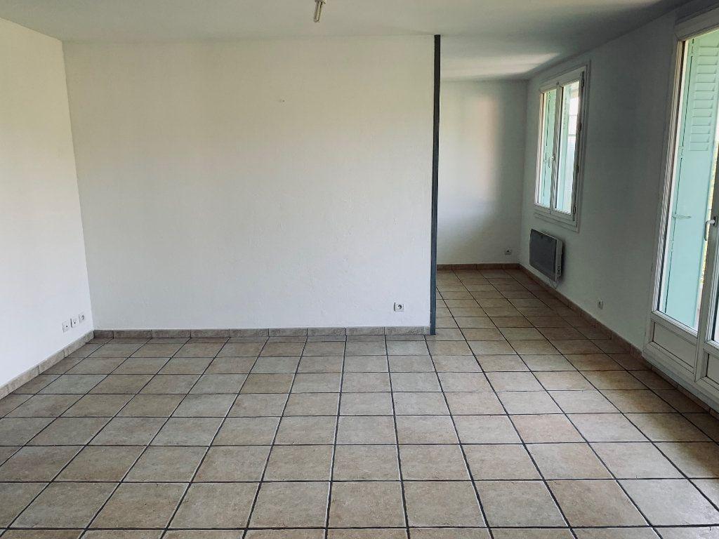 Appartement à louer 3 69.26m2 à Manosque vignette-2