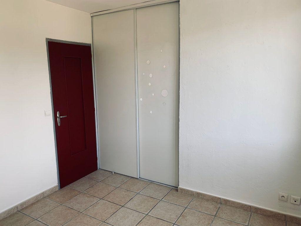 Appartement à louer 3 69.26m2 à Manosque vignette-4