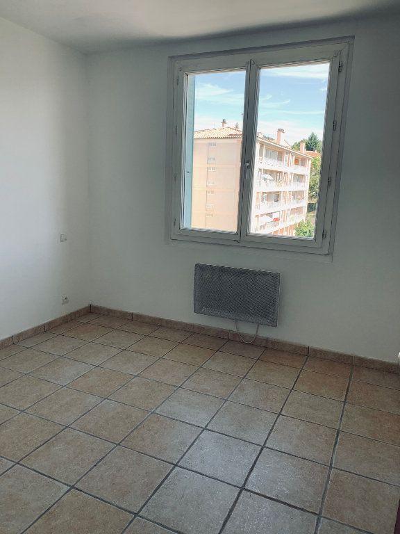 Appartement à louer 3 69.26m2 à Manosque vignette-5