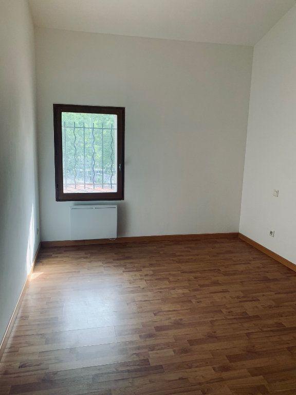 Appartement à louer 3 72.87m2 à Manosque vignette-4