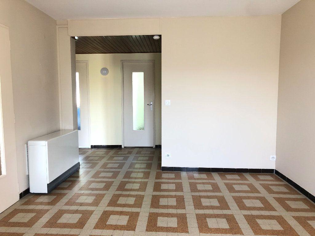 Appartement à louer 3 57.3m2 à Manosque vignette-5