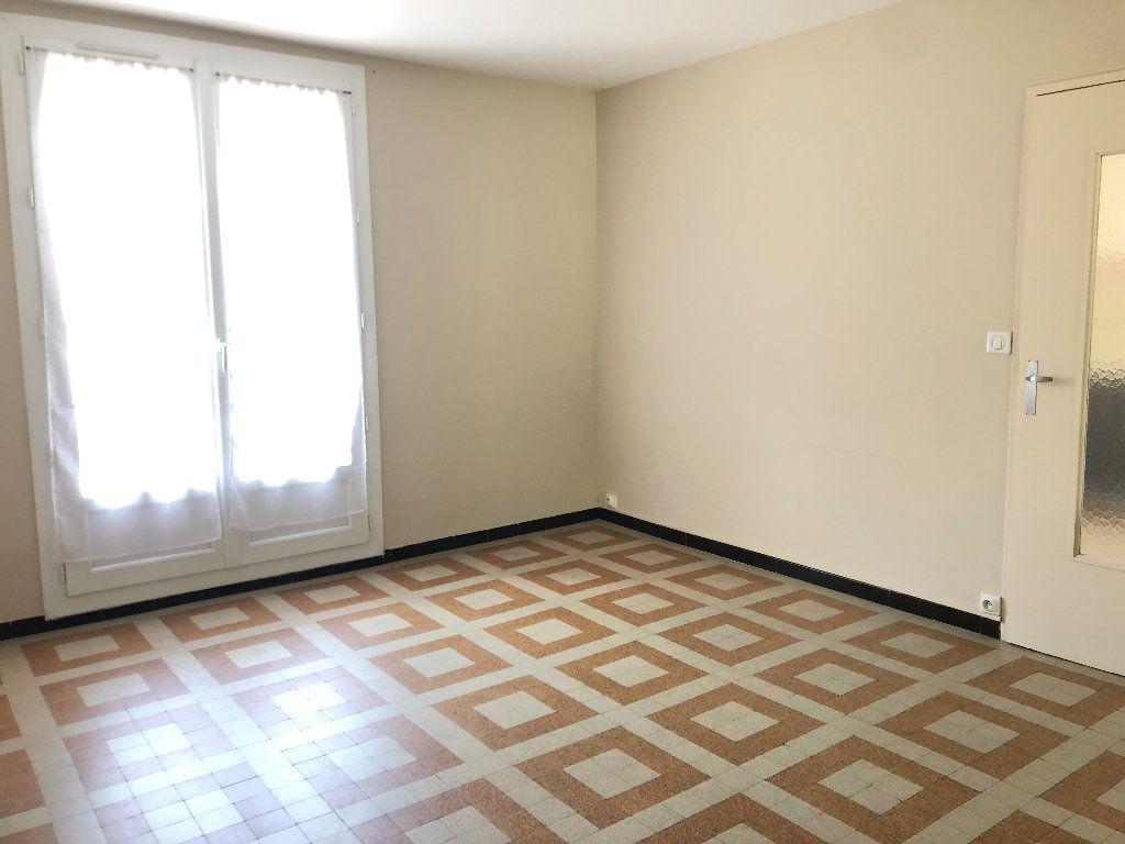 Appartement à louer 3 57.3m2 à Manosque vignette-6